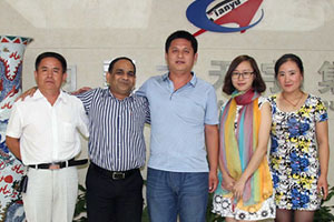 Indonesian customers come to visit our company
