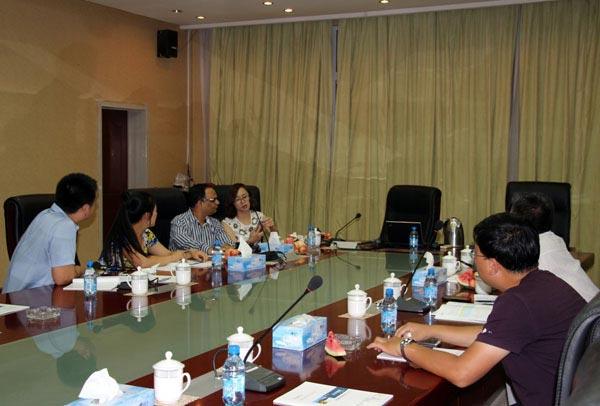 印尼外商与我公司工作人员友好洽谈