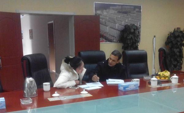 印度外商与我公司外贸部负责人洽谈中